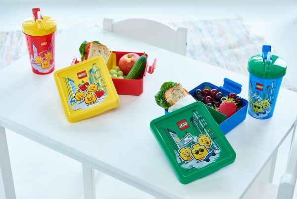 lunch boxes, tumblers w straws, fruit, share, lunch, sandwich, full, healthy, nutrition, joyful, household, picninc
